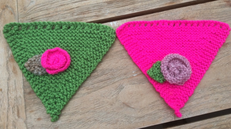 Free Knitted Bunting pattern - Spotted Sheep